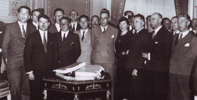 María Miramontes na entrega do Estatuto de Autonomía