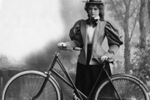 Muller en bicicleta
